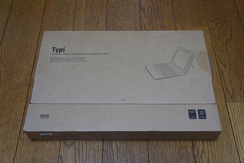 IPEVOのiPad(3rd)&iPad2用スタンド機能付きカバー&Bluetoothキーボードがいい仕事してます!